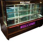 یخچال آکواریومی شیرینی فروشی